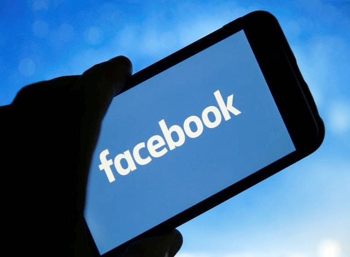 Viết tên Facebook đúng